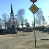Trong for nytt parkeringsareal for kyrkja
