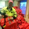 Lys på redningsvestar må også skiftast