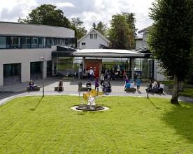 1700  studentar  på  Stord