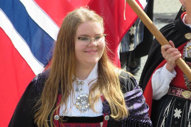 Anna Sofie Ekeland Valvatne heldt talen ved hvoudarrangementet i Parken. Ho er leiar i Stord Ungdomsråd.