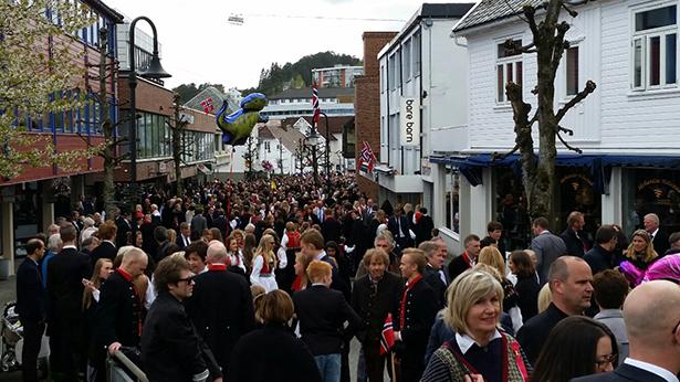 17.mai er dagen stordbuen samlst til 17.mair-feiring på Vikjo – på ettermiddagstid.