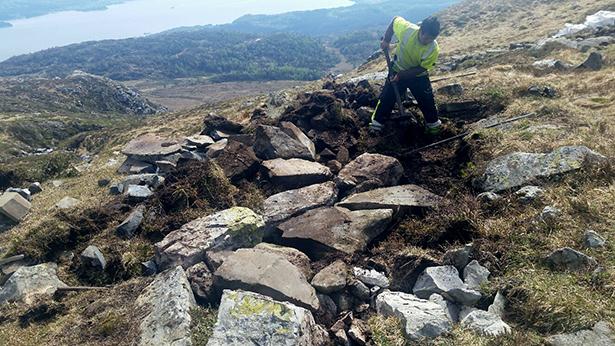 I Kvelve blir det bygt kvileplass – av stein som låg og stein som er tilført. – God stein å jobba med, sa ekspertane.