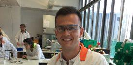 Simon  fra  Stord  vil  gjera  Oslo-elevar  svoltne  på  realfag